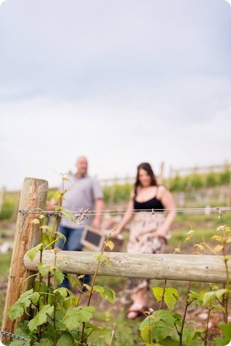 Okanagan-Centre-engagement-session_vineyard-lake-portraits_14_by-Kevin-Trowbridge