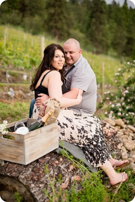 Okanagan-Centre-engagement-session_vineyard-lake-portraits_24_by-Kevin-Trowbridge