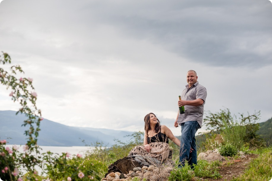 Okanagan-Centre-engagement-session_vineyard-lake-portraits_26_by-Kevin-Trowbridge
