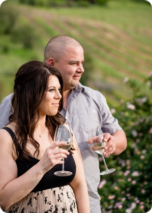Okanagan-Centre-engagement-session_vineyard-lake-portraits_32_by-Kevin-Trowbridge