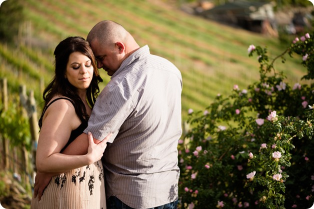Okanagan-Centre-engagement-session_vineyard-lake-portraits_40_by-Kevin-Trowbridge