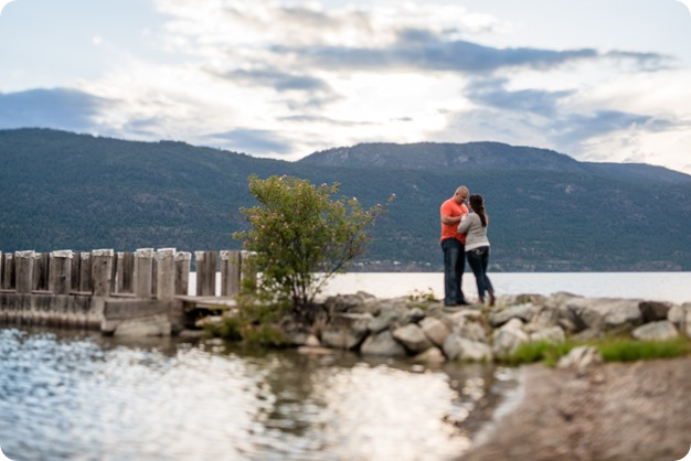 Okanagan-Centre-engagement-session_vineyard-lake-portraits_70_by-Kevin-Trowbridge