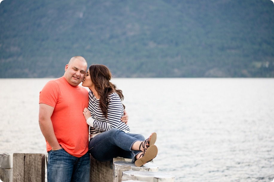 Okanagan-Centre-engagement-session_vineyard-lake-portraits_78_by-Kevin-Trowbridge