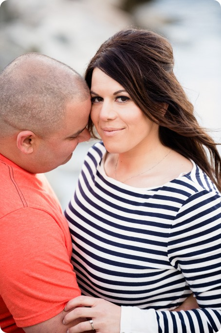 Okanagan-Centre-engagement-session_vineyard-lake-portraits_86_by-Kevin-Trowbridge