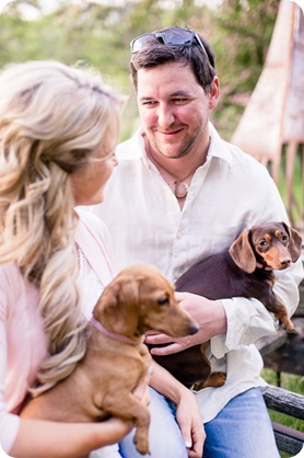 farm-engagement-session_dachshund-dogs_Okanagan_34_by-Kevin-Trowbridge