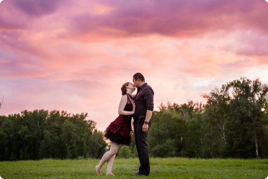 kelowna-engagement-session_dancing-portraits108_by-Kevin-Trowbridge