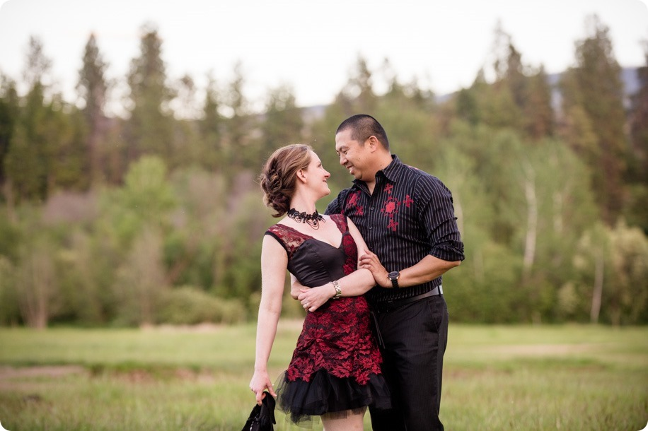 kelowna-engagement-session_dancing-portraits74_by-Kevin-Trowbridge