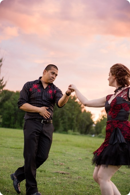 kelowna-engagement-session_dancing-portraits99_by-Kevin-Trowbridge