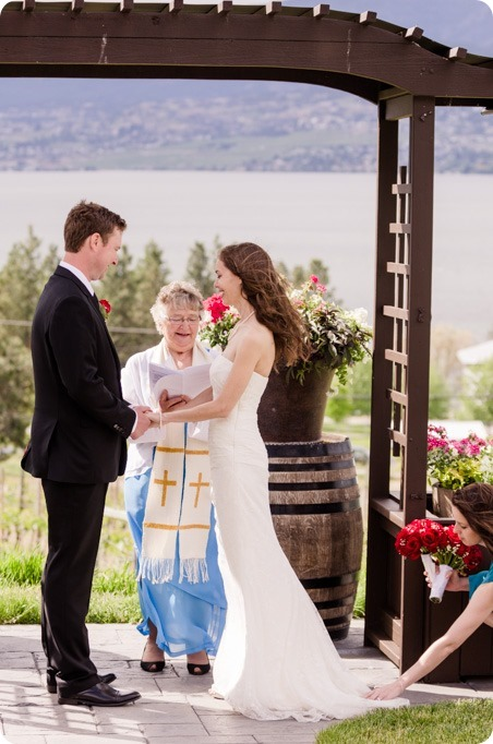 kelowna-summerhill-winery-wedding_okanagan-photographer32_by-Kevin-Trowbridge