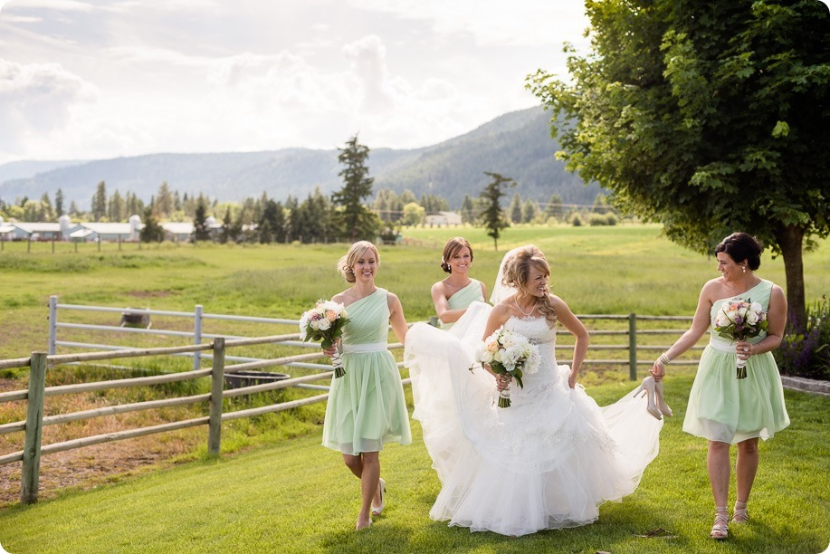 Armstrong-Okanagan-wedding_country-farm_38_by-Kevin-Trowbridge