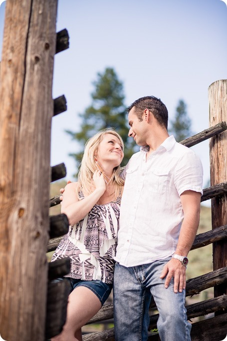 - Okanagan-desert-engagement-session_sunset-couples-portraits_17_by-Kevin-Trowbridge_thumb