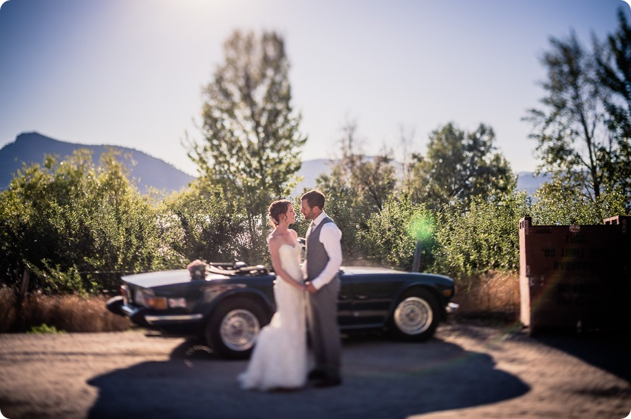 Naramata-wedding-photography_Apple-DOr_vineyard_149_by-Kevin-Trowbridge