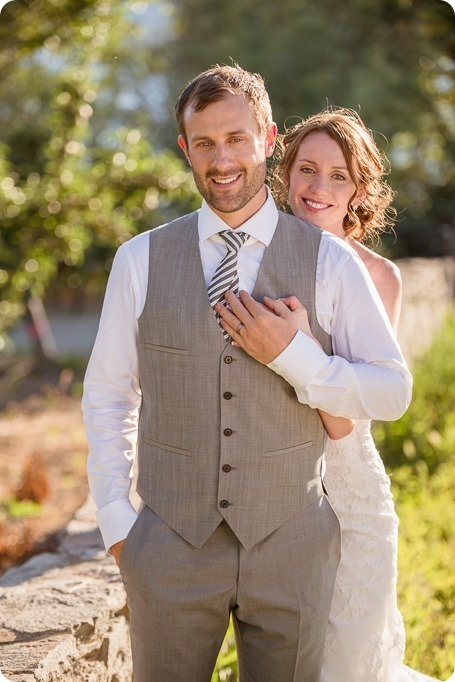 Naramata-wedding-photography_Apple-DOr_vineyard_159_by-Kevin-Trowbridge
