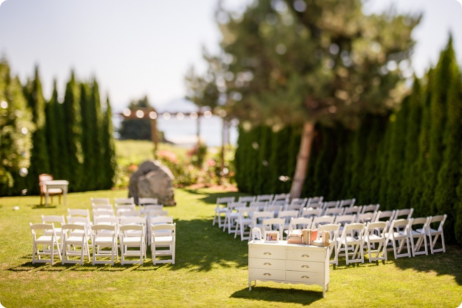 Naramata-wedding-photography_Apple-DOr_vineyard_15_by-Kevin-Trowbridge