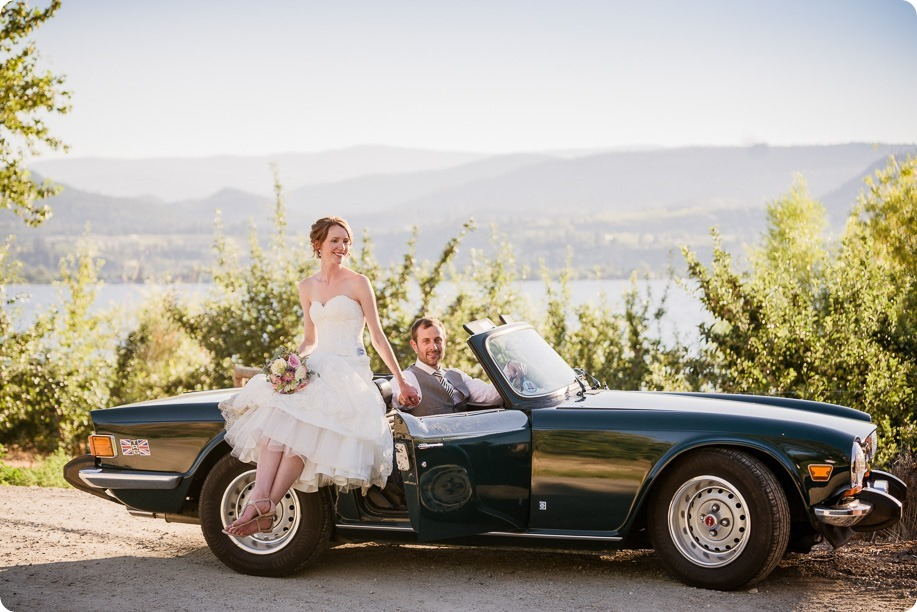 Naramata-wedding-photography_Apple-DOr_vineyard_168_by-Kevin-Trowbridge