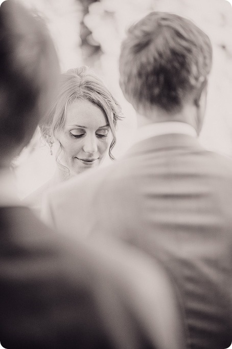 Naramata-wedding-photography_Apple-DOr_vineyard_82_by-Kevin-Trowbridge