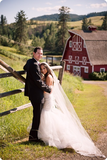 Sparkling-Hill-wedding_Okanagan_105_by-Kevin-Trowbridge