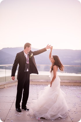 Sparkling-Hill-wedding_Okanagan_154_by-Kevin-Trowbridge