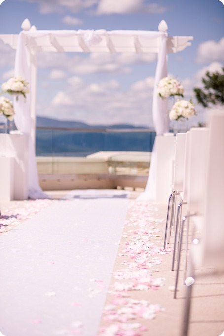 Sparkling-Hill-wedding_Okanagan_38_by-Kevin-Trowbridge