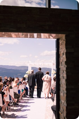 Sparkling-Hill-wedding_Okanagan_43_by-Kevin-Trowbridge