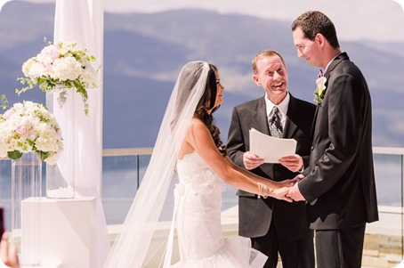 Sparkling-Hill-wedding_Okanagan_56_by-Kevin-Trowbridge