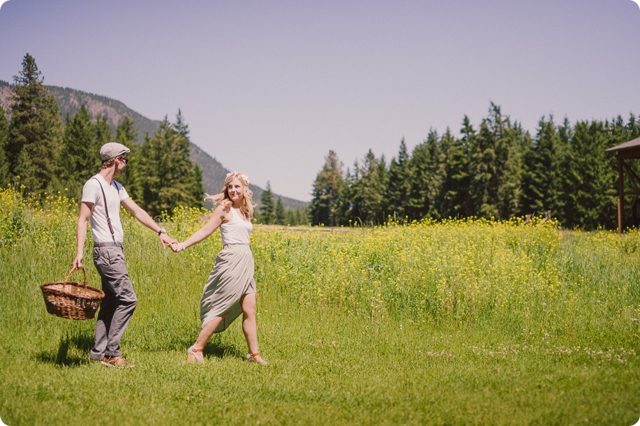 Vintage-Farmers-Market-engagement-session_Caravan-Theatre-Armstrong_09_by-Kevin-Trowbridge