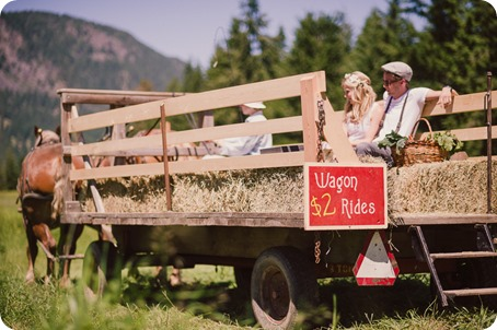 Vintage-Farmers-Market-engagement-session_Caravan-Theatre-Armstrong_102_by-Kevin-Trowbridge