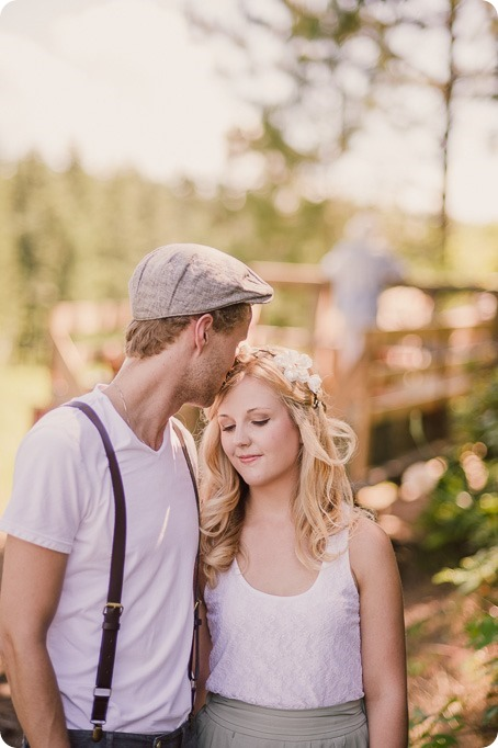 Vintage-Farmers-Market-engagement-session_Caravan-Theatre-Armstrong_111_by-Kevin-Trowbridge