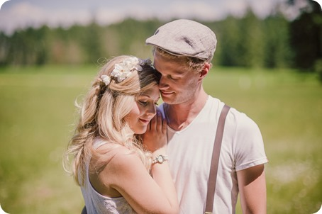 Vintage-Farmers-Market-engagement-session_Caravan-Theatre-Armstrong_118_by-Kevin-Trowbridge