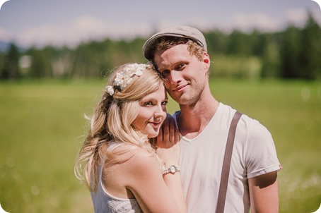 Vintage-Farmers-Market-engagement-session_Caravan-Theatre-Armstrong_119_by-Kevin-Trowbridge