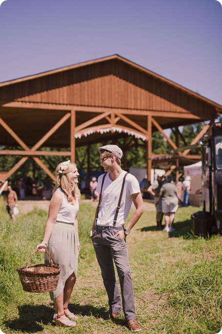 Vintage-Farmers-Market-engagement-session_Caravan-Theatre-Armstrong_18_by-Kevin-Trowbridge