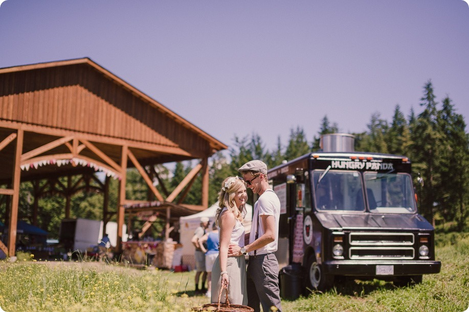Vintage-Farmers-Market-engagement-session_Caravan-Theatre-Armstrong_20_by-Kevin-Trowbridge