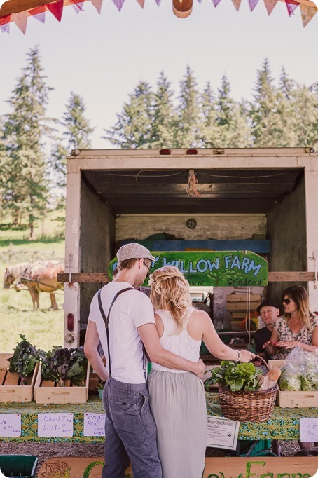 Vintage-Farmers-Market-engagement-session_Caravan-Theatre-Armstrong_39_by-Kevin-Trowbridge