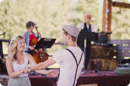 Vintage-Farmers-Market-engagement-session_Caravan-Theatre-Armstrong_67_by-Kevin-Trowbridge
