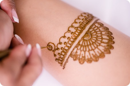 Henna-party_Indian-wedding-Maiyan_Sparkling-Hill-dancing_13_by-Kevin-Trowbridge