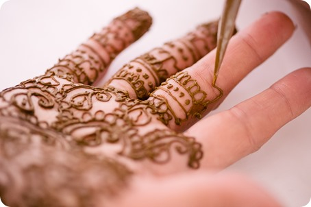 Henna-party_Indian-wedding-Maiyan_Sparkling-Hill-dancing_14_by-Kevin-Trowbridge