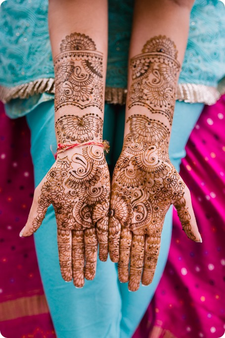 Henna-party_Indian-wedding-Maiyan_Sparkling-Hill-dancing_25_by-Kevin-Trowbridge