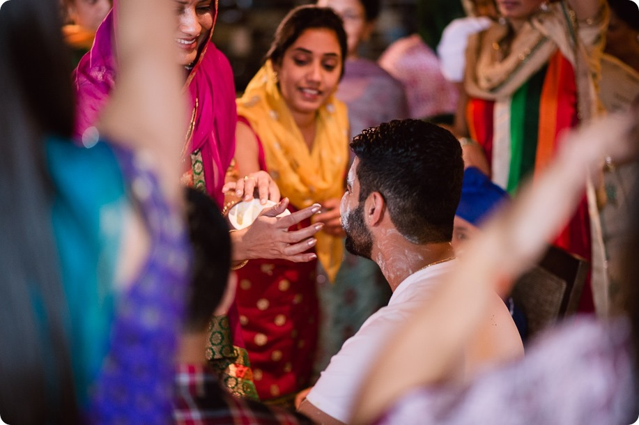 Henna-party_Indian-wedding-Maiyan_Sparkling-Hill-dancing_44_by-Kevin-Trowbridge