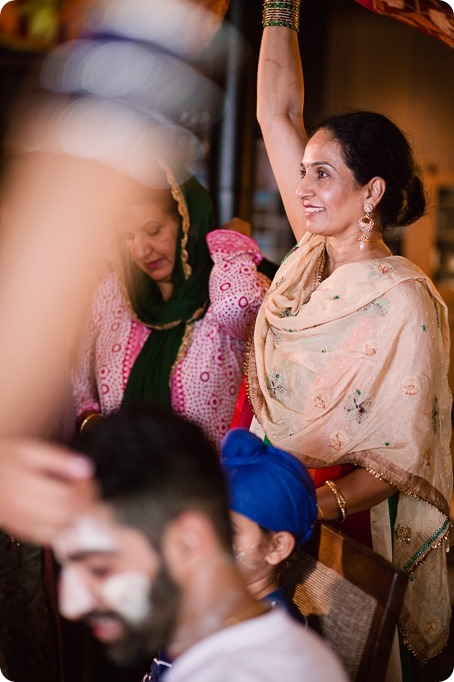 Henna-party_Indian-wedding-Maiyan_Sparkling-Hill-dancing_46_by-Kevin-Trowbridge