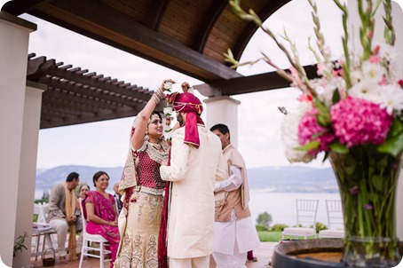 Hindu-wedding-ceremony_Kelowna_Cedar-Creek_Sparkling-Hill_103_by-Kevin-Trowbridge