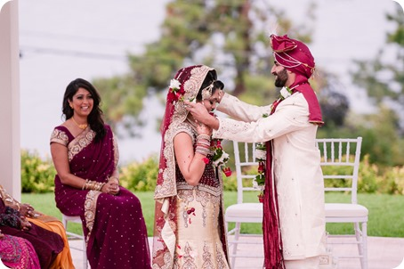 Hindu-wedding-ceremony_Kelowna_Cedar-Creek_Sparkling-Hill_104_by-Kevin-Trowbridge