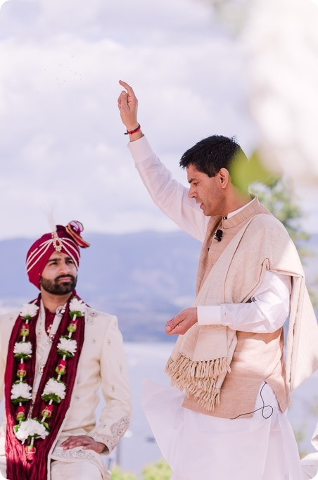 Hindu-wedding-ceremony_Kelowna_Cedar-Creek_Sparkling-Hill_112_by-Kevin-Trowbridge