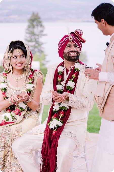 Hindu-wedding-ceremony_Kelowna_Cedar-Creek_Sparkling-Hill_115_by-Kevin-Trowbridge