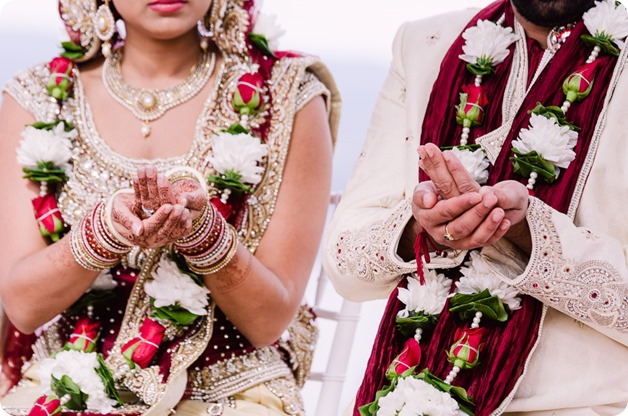 Hindu-wedding-ceremony_Kelowna_Cedar-Creek_Sparkling-Hill_117_by-Kevin-Trowbridge