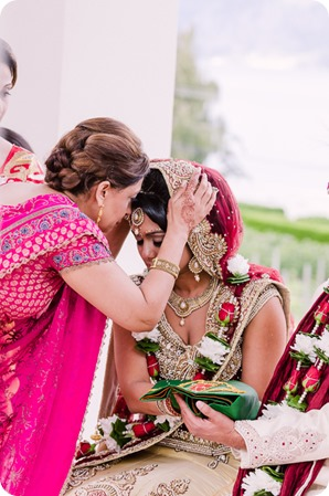 Hindu-wedding-ceremony_Kelowna_Cedar-Creek_Sparkling-Hill_130_by-Kevin-Trowbridge