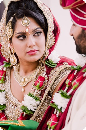 Hindu-wedding-ceremony_Kelowna_Cedar-Creek_Sparkling-Hill_133_by-Kevin-Trowbridge