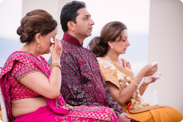 Hindu-wedding-ceremony_Kelowna_Cedar-Creek_Sparkling-Hill_135_by-Kevin-Trowbridge