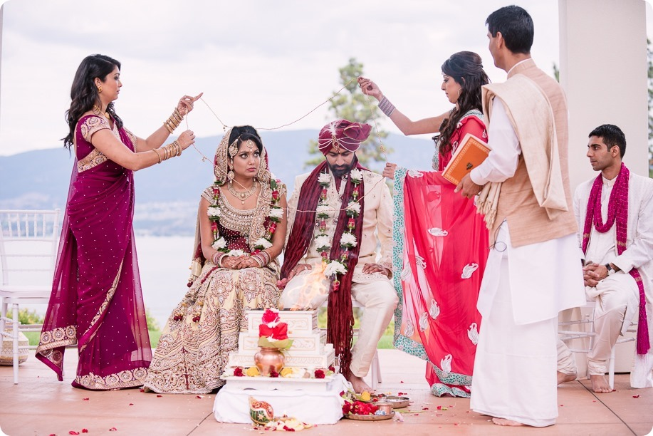 Hindu-wedding-ceremony_Kelowna_Cedar-Creek_Sparkling-Hill_142_by-Kevin-Trowbridge