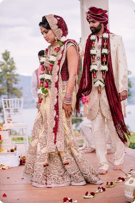 Hindu-wedding-ceremony_Kelowna_Cedar-Creek_Sparkling-Hill_147_by-Kevin-Trowbridge