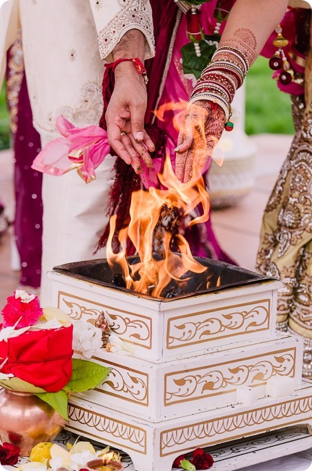 Hindu-wedding-ceremony_Kelowna_Cedar-Creek_Sparkling-Hill_150_by-Kevin-Trowbridge